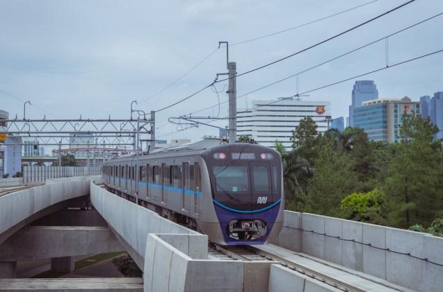 Naik MRT Jakarta, Dijamin Kamu Auto Taat Peraturan